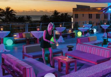 Clevelander Hotel Sunset