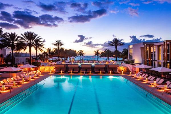 the-pool-at-eden-roc-hotel-miami