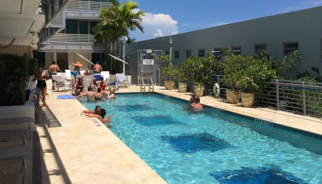 The pool of the Z Ocean in Miami Beach to relax and have fun!