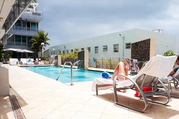 Pool Z Ocean Hotel