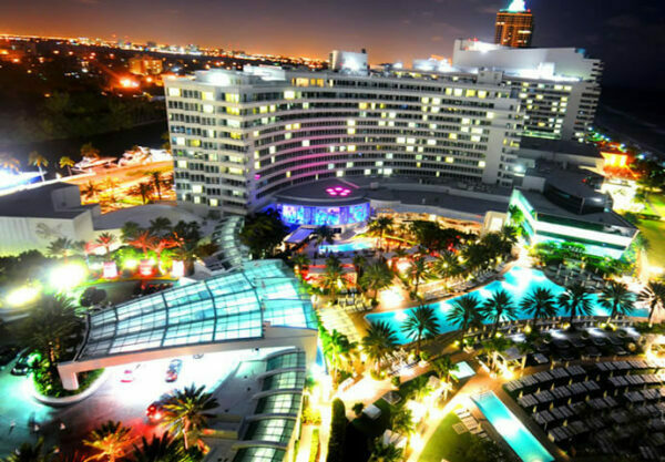 The Fontainebleau Resort at night!!